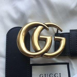 Black leather Smooth Gold buckle GG Belt